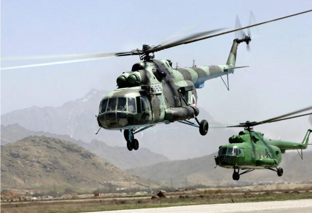 Des Mi-17 de l'ANA (Afghan National Army) Les marchés d'équipements d'armées de pays tiers par les USA cachent des affaires de corruption assez lucratifs...