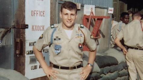 Une photo de Chuck Hagel du temps de la guerre du Vietnam. Il s'agit du premier engagé sorti du rang à devenir secrétaire à la défense selon le président Barack Obama. Les israéliens se sont toujours méfié des militaires américains au franc-parler et leur préfèrent des civils ayant une double allégeance.