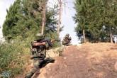 Après la guerre psychologique menée tambour battant toute la semaine, axée sur l'annonce irrationnelle de l'évacuation de la représentation diplomatique russe et des marins russes stationnés à Tartous, une première attaque en provenance de la Jordanie a été signalée avant-hier dans la province méridionale de Deraa. Il s'agit des premières unités mixtes (rebelles-volontaires étrangers) entraînés et soutenus par l'Otan en Jordanie septentrionale. Ces derniers ont concentré leurs attaques sur Al-Hamadine, l'hôpital et la route du barrage hydraulique. Mais la riposte de l'armée syrienne, aidée par des milices populaires à repoussé l'attaque et à détruire deus canons multitubes anti-aériens de 23 mm. Parmi les rebelles tués figurent une majorité de jordaniens. Ces derniers avaient en leur possessions des documents infalsifiables et pour l'un d'entre eux, une puce RFID sous la peau. Une technique que seuls les Etats-Unis et Israël utilisent pour protéger ou localiser leurs soldats. d'un éventuel