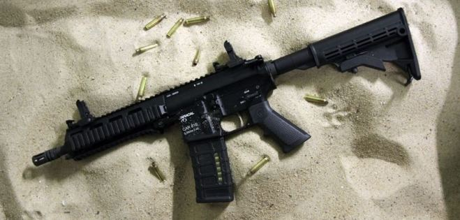 Car 816 du constructeur émirati Caracal, basé sur le fusil d'assaut US M4/AR15 sera t-il le remplaçant du Modèle 89 au sein de l'armée algérienne?