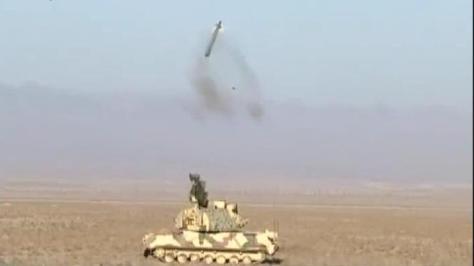 Un système de défense antiaérienne Tor-M1 de l'armée iranienne en action. De source crédible, l'Algérie vient de réceptionner des dizaines d'exemplaires de ce système destiné à renforcer les batteries de missiles SAM S-400 Triumph.
