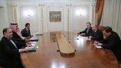 Le Président russe Vladimir Poutine recevant à Moscou le Prince Saoudien Bandar Ben Sultan, l'un des hommes les plus influents en Occident.