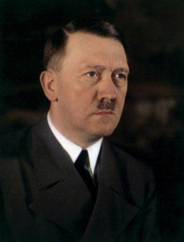 Rare photo en couleur d'Adolf Hitler (1889-1945), homme d'Etat Allemand qui fut l'un des principaux protagonistes de la seconde guerre mondiale (1939-1945)