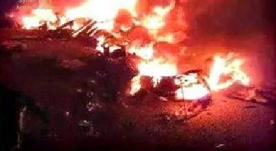 Capture d'image télévision syrienne. débris en feu du drone MQ1 B PREDATOR US abattu par un missile S-125 NEVA/PECHORA au dessus de Lattaquié.