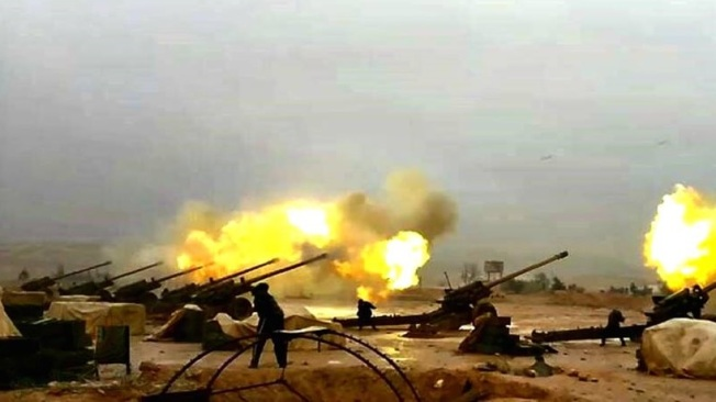 Artillerie syrienne en action.